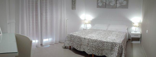camera doppia con letto matrimoniale / singoli - biancheria da letto fornita