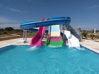 Luxury Beach Resort - 3 bed apartment + pool