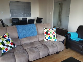 Vacations Rental 3 BR Suite in Mississauga