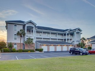 Golf Course View 2 bedroom Condo!!! CALL US TODAY FREE WIFI!