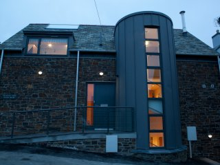 Coach House, New Polzeath, Luxurious 5 Star Gold