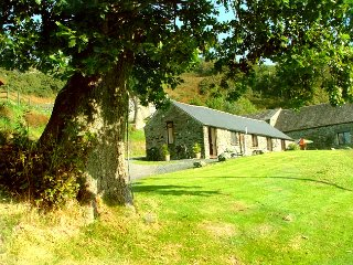 'Geufron Holiday Cottages' Y Ffynnon a single storey 2 bedroom cottage