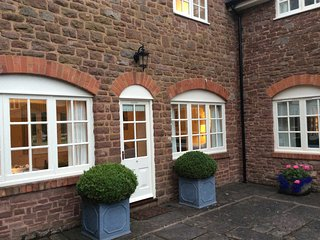 Fabulous cottage for two, all rooms have great views. Walled garden and parkland