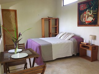 Bungalow independiente, cama Queen size con cocineta y terraza