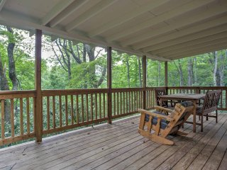 NEW! 'Cabin Fever' 2BR Lake Toxaway Cabin!