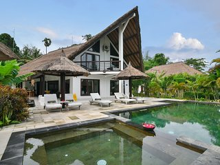 4 bedroom  villa on the beach