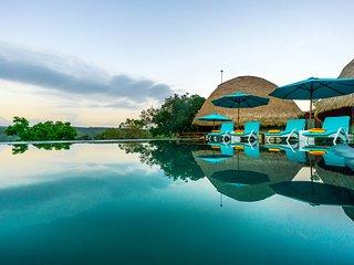 C-View Villa Indah