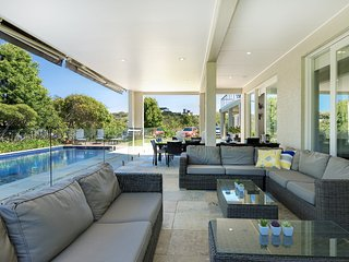 Portsea Ponderosa - Pool, Spa & Tennis Court!