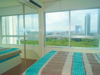 Sea View Luxury High Floor condo Lumpini Sea View Jomtien Pattaya