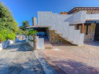 Capraia Room seaview room in Villa w/ private bath & balcony & access to the sea