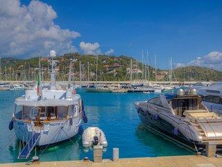 Porto Ercole seaview room in Villa w/ private bath & balcony & access to the s