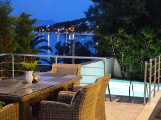 Luxury Villa directly on the Beach