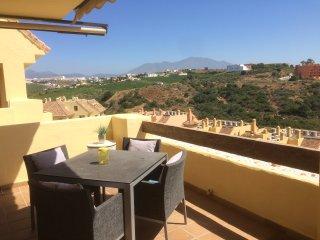 5 Star Luxury Apartment Sleeps 4 free wifi