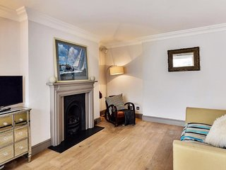 Homely 2 Bedroom Apartment near Kensington Palace