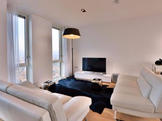 Modern 2 Bedroom Penthouse Nestled in East London