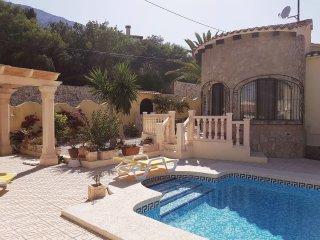 Apartment mit Pool in Calpe, Berg- und Meersicht
