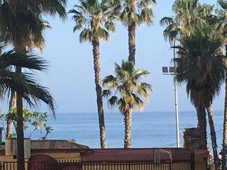 Malagueta;50 metros a la playa;vistas directas al mar