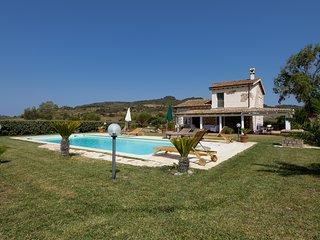 esclusiva villa in campagna con piscina privata