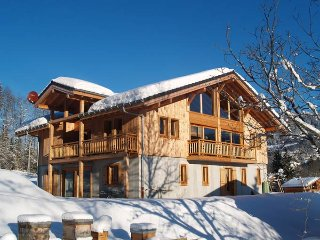 Luxury Chalet with Hot Tub and Swimming Pool - La Terrasse