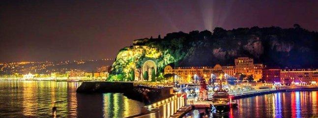 Le vieux port de Nice sur une soirée étés