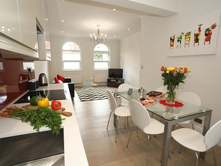 Family Friendly Hackney Home - Sleeps 6