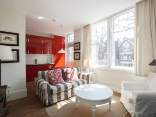New and comfy 2 bed, sleeps 4 in Notting Hill