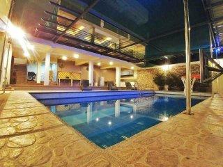 Luxury Summer Palace Hot Spring Resort