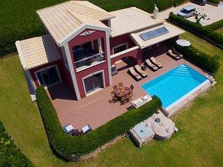Mousata Villa Sleeps 6 with Pool Air Con and WiFi - 5238134