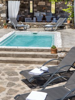 enjoy both shade and sun by the jacuzzi pool
