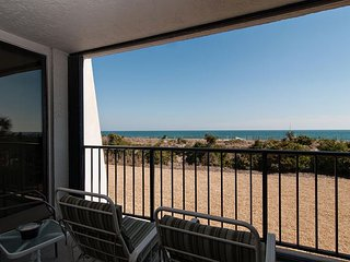 Oceanfront condo with an enchanting view and resort style amenities!
