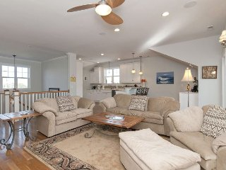 Gorgeous home with ocean views on a quiet street perfect for the family