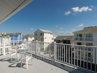 Great value for top floor condo with ocean views and pool access