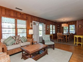 Classic oceanside beach cottage, with a separate Mother in Law suite