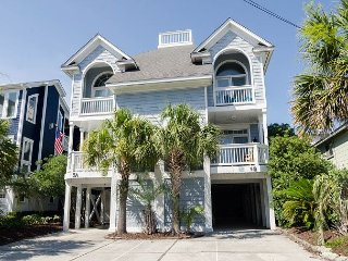 Lovely townhouse located near everything at the center of Wrightsville