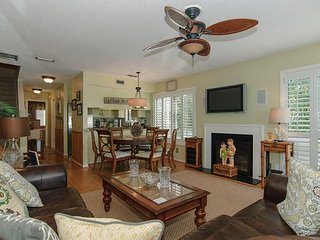 Luxurious oceanside condo just steps from the beach