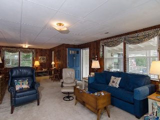 Small family friendly duplex in the core of Wrightsville Beach