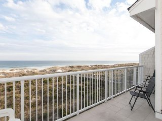 Slow down and relax at this tranquil oceanfront condo at the north end