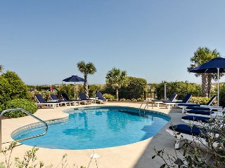 Grand oceanfront home with breathtaking views, private pool and hot tub!