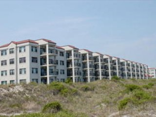 Grand oceanfront condo with breathtaking views of the north end