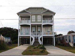 Gorgeous upscale duplex centrally located on Pleasure Island
