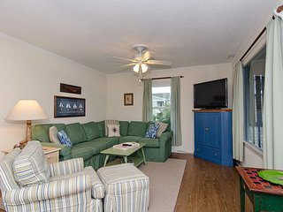 Upper duplex offering classic Wrightsville experience at the quiet south end