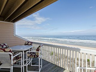 Oceanfront townhouse with covered deck to entertain the whole family