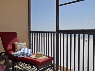 **AUG 26 -SEP 2 $95 NITE!**Villa Madeira #207 Madeira Beach Updated Tommy Bahama