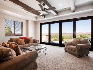 Ridge View at Coral Ridge | 1859 | $159/NIGHT IN SEPTEMBER! GOLF COURSE VIEWS!