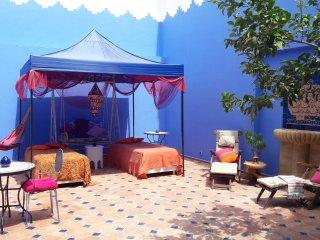 """Habitación """"Ali Baba', en Casa Aladino, casa de cuento en la medina de Asilah"""