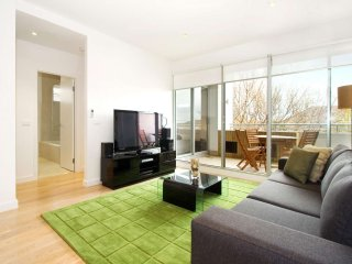 Luxury Elwood Accommodation  : 13/30 Docker Street, Elwood