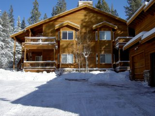 Best Location in Tahoe Donner: Walk to Pools, Hot Tubs, Gym, Golf, and Market