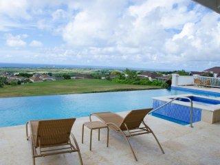 Charming tropical Pool villa / 2Bedroom/2 Pool & Gym/Tennis