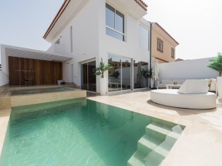 DESIGNER VILLA WITH PRIVATE POOL
