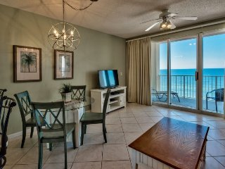 Amazing Gulf Views & Stunning Sunsets~1 Bedroom Beachfront Vacation Condo with B